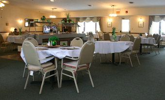 Stow-Glen Retirement Village Independent Living Dining Room